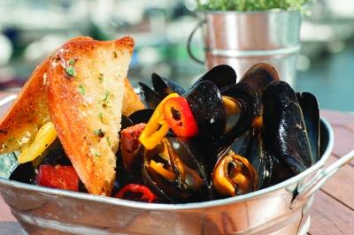 Pan Roasted Mussels, Latitudes